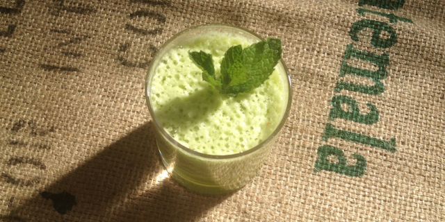 Pineapple Mint Cucumber Smoothie